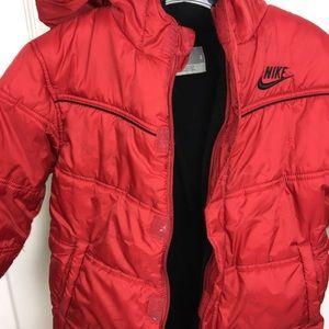 383df7e6fe53 Nike Jackets   Coats - NIKE 6 Boys Puffer Winter Jacket w Hood - Red